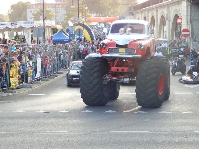 Moto Racing Show (na zdjęciu parada z zeszłego roku) to impreza, która od 2009 r. towarzyszy największym imprezom żużlowym w Gorzowie. Szósty rok z rzędu jest nim runda polska Grund Prix