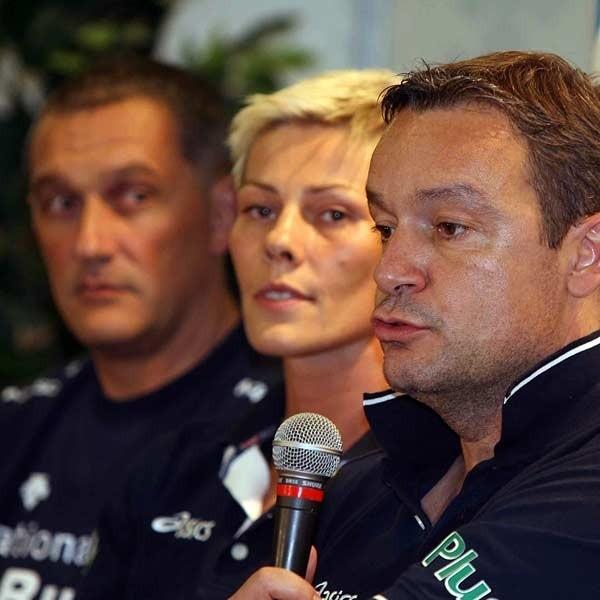 Od lewej Giovanni Caprara, Dorota Świeniewicz i Marco Bonitta - zastanawiają się kto wygra rzeszowski turniej.
