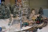 Poznań: Zobacz świąteczną kolejkę w zimowej scenerii