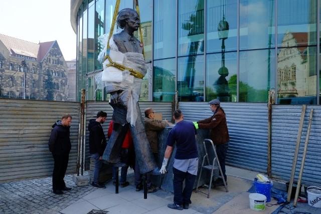 Pomnik Ignacego Paderewskiego już stoi w Poznaniu [ZDJĘCIA]