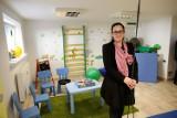 Pracownica hospicjum: Rodzice nieuleczalnie chorych dzieci muszą żebrać o każdy grosz