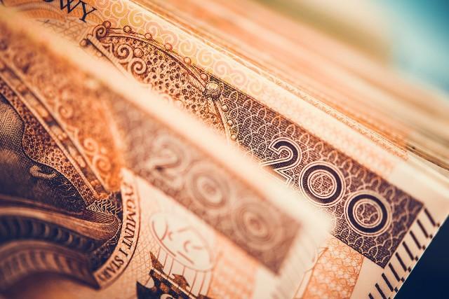 Komisja Europejska zbada sprawę urzędników oraz ich rodzin pobierających dotacje