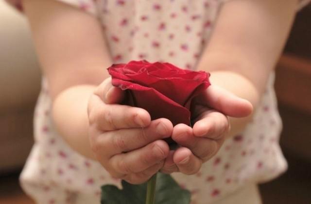 Dzień Mamy 2021: Przepiękne życzenia dla mamy. Już 26 maja złóż mamie wzruszające życzenia od serca