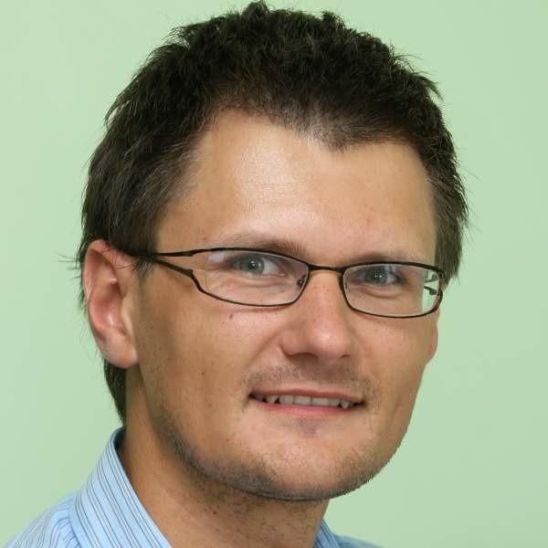 - Każda prywatna przychodnia może uzyskać dotację na unowocześnienie świadczenia usług medycznych - mówi Michał Knapik.