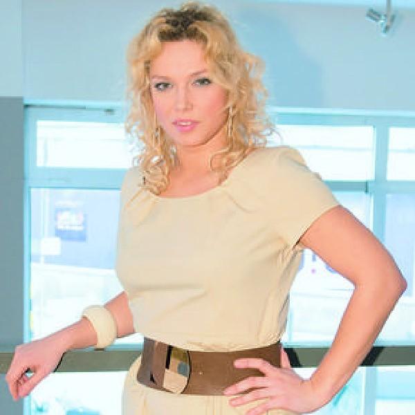 """Joanna Liszowska pracuje nad solową płytą, prowadzi program """"Prywatny instruktor tańca"""" w TVN Style i gra w dwóch serialach."""