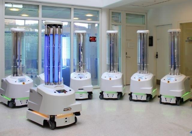 UVD Roboty dezynfekujące trafią do szpitali we Wrocławiu i w Świdnicy.