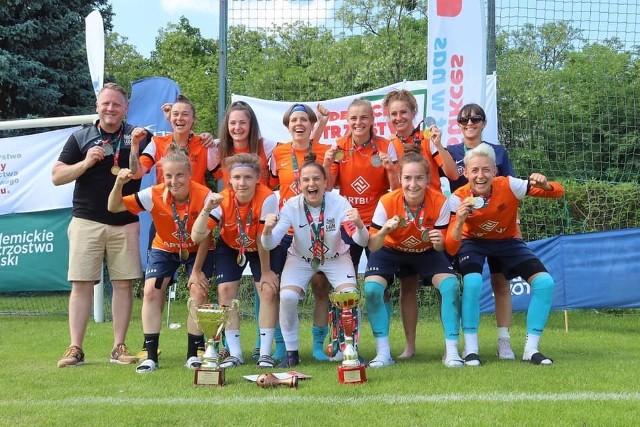 Tak piłkarki UAM Poznań cieszyły się ze zdobycia srebrnego medalu na AMP w Szczecinie