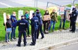 """""""Nie oddamy Bieszczad piłom!"""". Akcja w całej Polsce, w Krośnie złożono petycję [ZDJĘCIA]"""