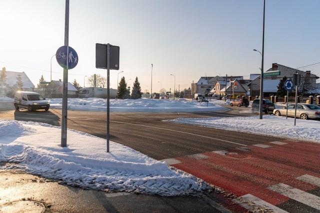 Przez trzy dni kierowcy w Białymstoku mogą spodziewać się sporych utrudnień na jednej z najważniejszych ulic tworzących tzw. białostocki ring. Niewykluczone, że drogowcy będą ręcznie kierować ruchem. Zobacz, na których ulicach będą utrudnienia.
