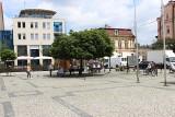 Rynek w Tarnowskich Górach zaprasza turystów. Są specjalne wystawy i ogródki letnie