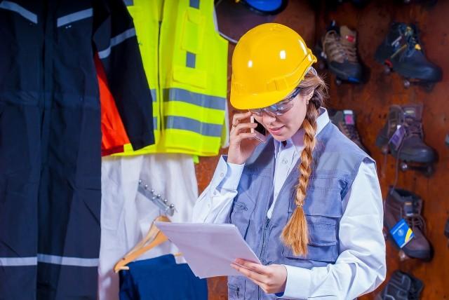 Nowy rok zawsze przynosi jakieś zmiany. W 2019 r. czekają nas m.in. zmiany w prawie pracy, które wpłyną zarówno na życie pracowników, jak i pracodawców. Zobacz, co nas czeka i przejdź do galerii!Zobacz też: Czy Wigilia i Wielki Piątek będą dniami wolnymi od pracy?