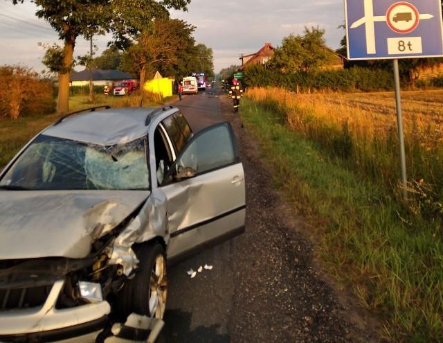 Do tragicznego wypadku doszło w poniedziałek rano w miejscowości Ludowinka (gm. Wodzierady) pod Łaskiem. Samochód osobowy zderzył się z motocyklem. Zginął 20-letni kierowca jednośladu. Czytaj więcej na następnej karcie