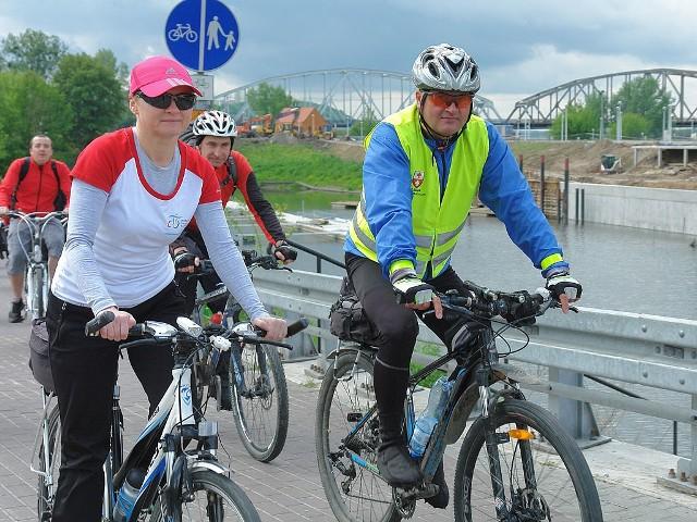 W rajdzie rowerowym udział wzięło około 500 cyklistów.