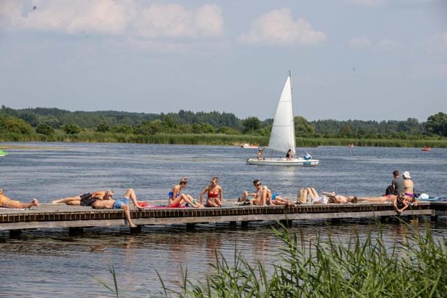 Dotychczas ponad połowa uprawnionych mieszkańców Podlasia aktywowała bon turystyczny. Aktywowano ich 60 tysięcy. Całkowicie wykorzystano ponad 20,5 tysiąca. W całym kraju natomiast aktywowano ponad 2,4 mln bonów.