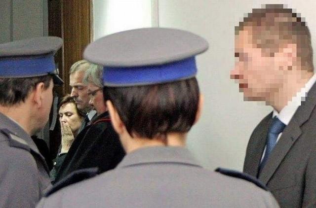 Gdy policja zatrzymywała Macieja T., był pijany. Ofiara była aplikantką w jego kancelarii.