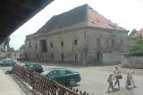 Zamek w Krośnie Odrzańskim przed remontem. Jak wyglądał? Jeszcze stał spichlerz