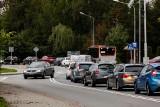 Rzeszów. Kierowcy stoją w długich korkach na ul. Paderewskiego. Mają już tego dość i chcą szybkiego połączenia z centrum miasta
