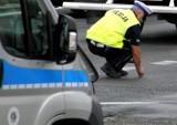 Wypadek pod Grójcem. Samochód dostawczy zderzył się z traktorem