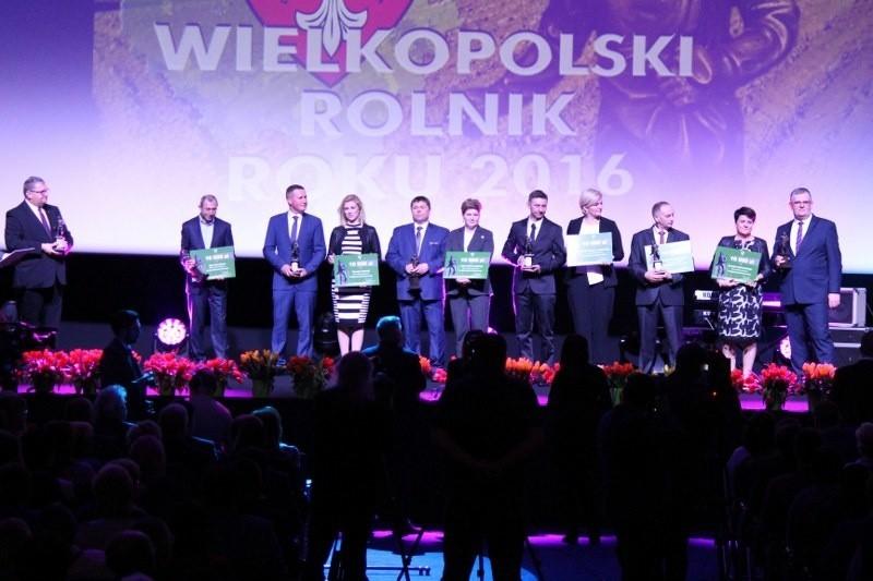 10 laureatów otrzymało tytuł Wielkopolskiego Rolnika Roku 2016, statuetkę Siewcy oraz nagrodę pieniężną w wysokości 10 tys. złotych.