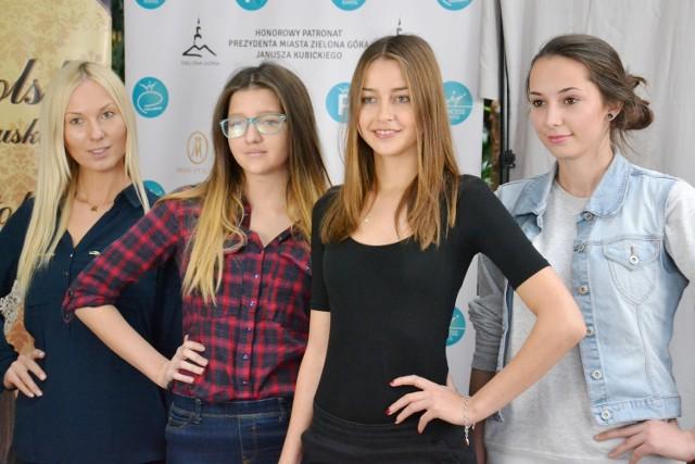 (maw)W niedzielę, 29 listopada br. w Palmiarni Zielonogórskiej odbył się trzeci już casting na Miss Ziemi Lubuskiej 2016. Swoje wdzięki prezentowały kolejne piękne dziewczyny. Jeśli chcesz również spróbować, masz ostatnią szansę. Najbliższy, ostatni już casting odbędzie się już w sobotę 5 grudnia w Palmiarni Zielonogórskiej, od godziny 14.00 do 15.30.- Na castingi zapraszamy dziewczęta w wieku od 14 lat do 24 lat włącznie. Ważne, żeby każda uczestniczka miała przy sobie dowód osobisty lub legitymację szkolną. Mile widziane są także szpilki oraz naturalny makijaż - informują organizatorzy. Na Gali Finałowej kandydatki zaprezentują się w trzech odsłonach: w kolekcji marki Orsay oraz Hexeline, strojach kąpielowych, sukienkach i sukniach ślubnych z Salonu Kreacja Żannet. Miss Ziemi Lubuskiej 2016 otrzyma:- Nagrodę pieniężną w wysokości 2.000 złotych ufundowaną przez Organizatora konkursu, Agencję Modelek Princess;- BRELOK VIP - całoroczne wejście na strefę VIP wraz z osobą towarzyszącą o wartości 5.000 złotych, ufundowany przez Exclusive Club XDEMON;- Trening personalny i voucher na masaże ufundowany przez Synergia Centrum Zdrowia;- Nagrodę od renomowanej Marki Orsay;- Sukienkę wieczorową od Salonu Kreacja Żannet, a także wiele innych cennych nagród.