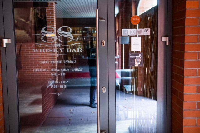 Poznańska prokuratura wyjaśnia okoliczności tragicznego pożaru, do którego doszło w restauracji WhiskyBar 88 na terenie City Parku.
