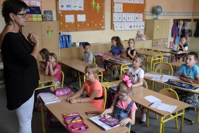 Szkoły podstawowe w Zduńskiej Woli zajmą się dzieckiem nawet przez osiem godzin