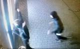Włamanie do jubilera w Żywcu i sklepu AGD w Buczkowicach. Policjanci szukają sprawców