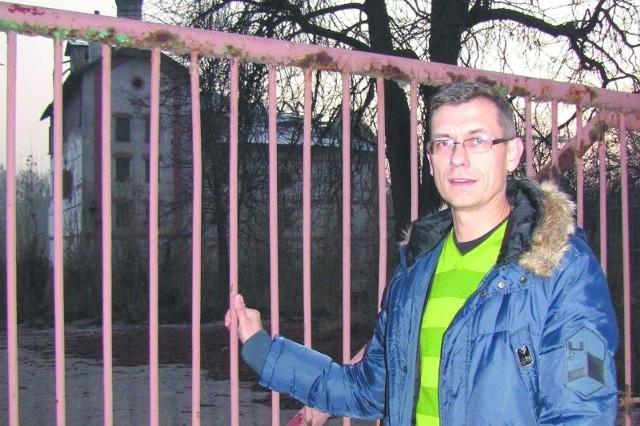 – Należy przynajmniej część tego budynku wkomponować w nowy obiekt, który pewnie tutaj powstanie – uważa Krzysztof Skłodowski.