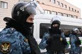 Rosja: Policja poszukuje nowych funkcjonariuszy po skazaniu Nawalnego i protestach w jego obronie