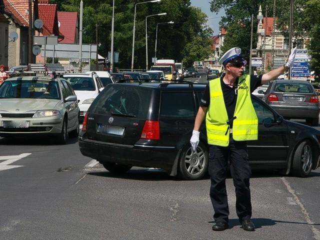 W środę o 14.00 ruchem na skrzyżowaniu Szopena i Świerczewskiego kierował sierż.Wojciech Grzywa z międzyrzeckiej drogówki.