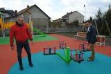 Plac zabaw w Kurzelowie już gotowy, ale... jeszcze zamknięty. W gminie Włoszczowa to obecnie najpiękniejszy taki obiekt (ZOBACZ ZDJĘCIA)