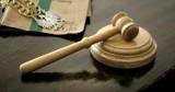 Po śmierci dziecka w gm. Karsin, jest wniosek do sądu o ukaranie ojca i dziadka. 5-latka w maju 2021 r. zginęła pod kołami ładowarki