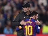 Hymn Liverpoolu po wygranej z FC Barceloną. Musicie to zobaczyć i posłuchać, magia Anfield Road w całej okazałości [WIDEO]