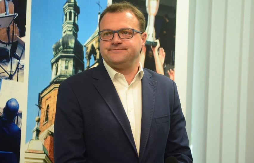 Prezydent Radomia Radosław Witkowski zakażony jest koronawirusem.