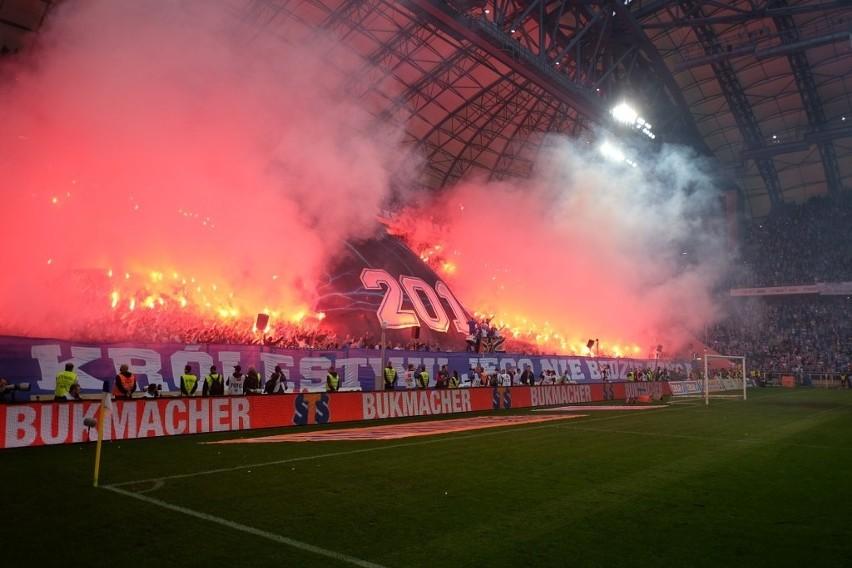 Kibice Lecha Poznań na meczu z Wisłą Kraków