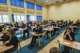 Kiedy matura 2020? Termin egzaminów maturalnych 2020: polski, matematyka, chemia, biologia, WOS, geografia, języki. Wyniki matur - kiedy?