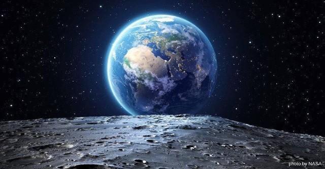 Planeta Ziemia - na niej mieszkamy, żyjemy i znamy na co dzień. Jednak czy kiedykolwiek mieliśmy okazję spojrzeć na niej z takiej perspektywy? Zobaczcie zdjęcia satelitarne, które zachwycą nie tylko miłośników astronomii.