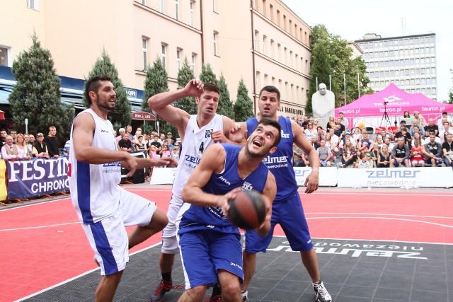 Ciekawe turnieje 3x3 rozgrywane były w pasażu Schillera przy ul. Piotrkowskiej i Manufakturze