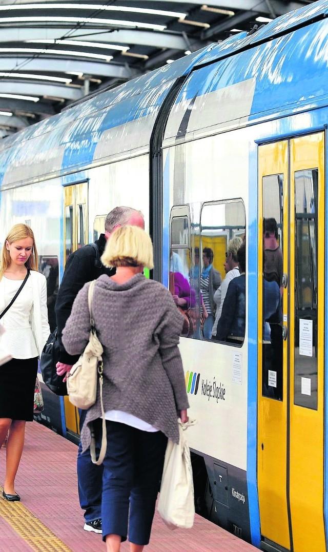 Dzisiaj dzień prawdy. Ilu z nas zdecyduje się przesiąść z auta do pociągu lub autobusu i podróżować za darmo?