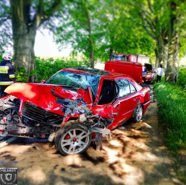 Dzisiaj (wtorek) w Jacinkach (gm. Polanów) na drodze wojewódzkiej nr 206 doszło do wypadku. Zderzyły się dwa samochody osobowe. Jedna osoba została poszkodowana. Trafiła do szpitala.  Na miejscu była karetka, policja, straż pożarna z Polanowa i Koszalina.