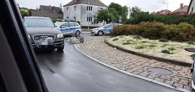 Wypadek w Białogardzie. 26-letnia rowerzystka przetransportowana do szpitala