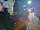 Pijany kierowca uderzył w ogrodzenie domu. Wydmuchał 3,5 promila. Wypadek w Bieruniu mógł skończyć się tragicznie.  ZDJĘCIA