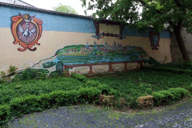Panorama Lublina. Mural znajduję się w podwórku za Bramą Krakowską