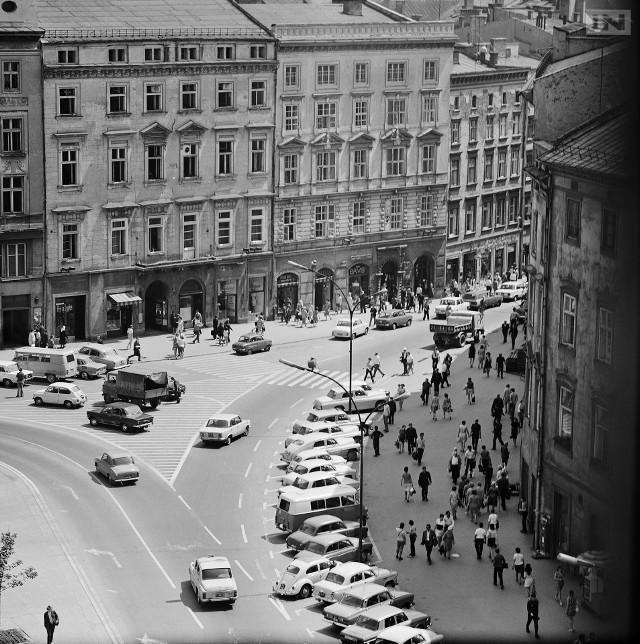 Do stycznia 1979 roku swobodnie można było wjechać samochodem na płytę Rynku Głównego