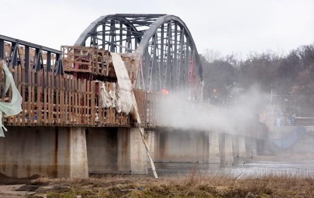 Tak wygląda remont starego mostu w Cigacicach