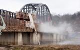 W Cigacicach prace idą aż się kurzy! Zobacz, jak wygląda remontowany stary most