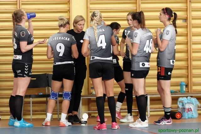 Piłkarki ręczne AZS Poznań, pod wodzą Amelii Chmielewskiej, sezon rozpoczęły od wygranej 34:30 w meczu z MTS Kwidzyn