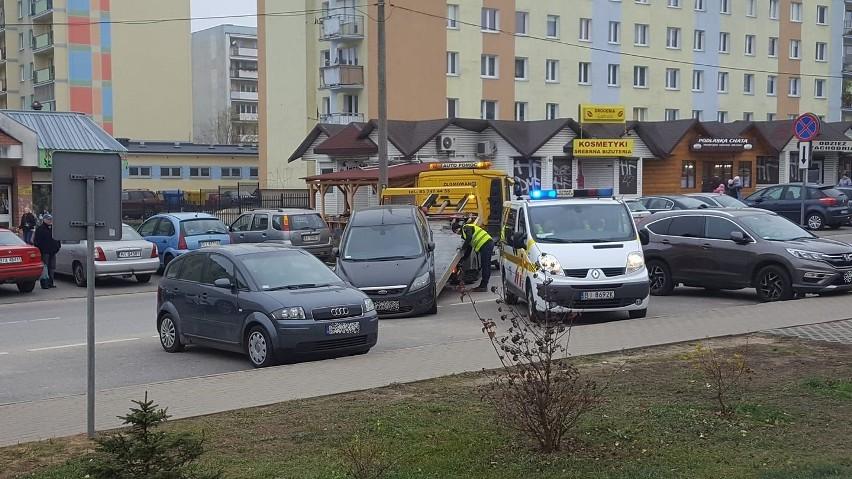 Straż miejska w Białymstoku odholowuje samochody, które...