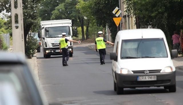 W ciągu godziny policja ukarała tylko jednego kierowcę, który nie zastosował się do zakazu wjazdu ciężarówek.