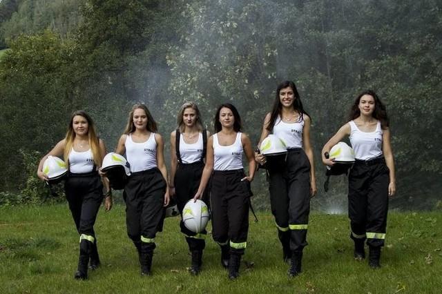 piękne strażaczki z kalendarza jednostki OSP z Targanic Górnych k. Andrychowa